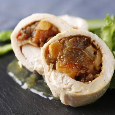 岩手県産鶏むね肉とフルーツチャツネのバロティーヌ プロバンス風